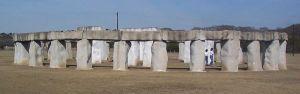 800px-stonehenge_texas_01
